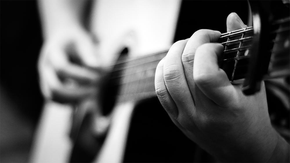 Уроки игры на гитаре с нуля, для начинающих, как